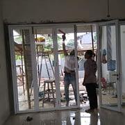pemasangan pintu lipat aluminium di bsd