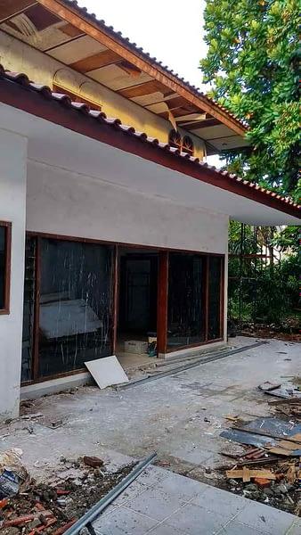 pebaikan atap rumah di Permata Hijau Jakarta 1