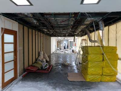 renovasi kantor wisma indocement jakarta