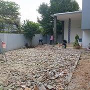 pembongkaran lantai sewaktu renovasi rumah di bsd