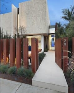 Contoh pagar rumah minimalis dari kayu
