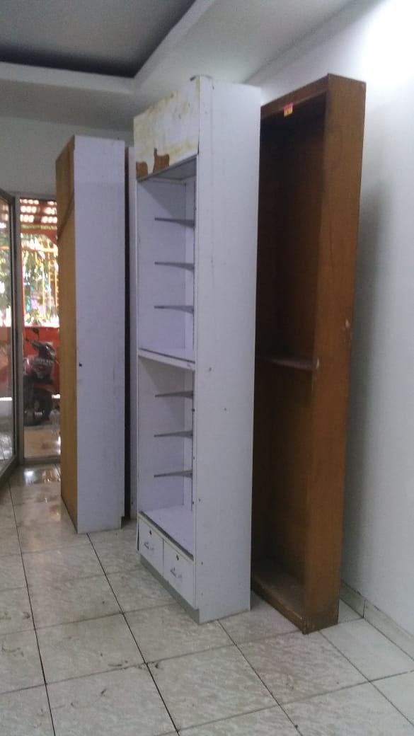 Renovasi Toko Century Healthcare Pharmacy Cengkareng 3