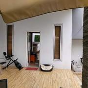kondisi outdoor rumah sebelum pemasangan pintu aluminium