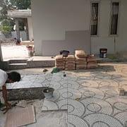 pemasangan keramik lantai carport di bsd