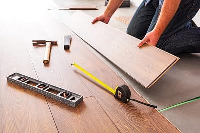 Contoh Pekerjaan Pemasangan Parquet oleh Jasa Kontraktor Rumah