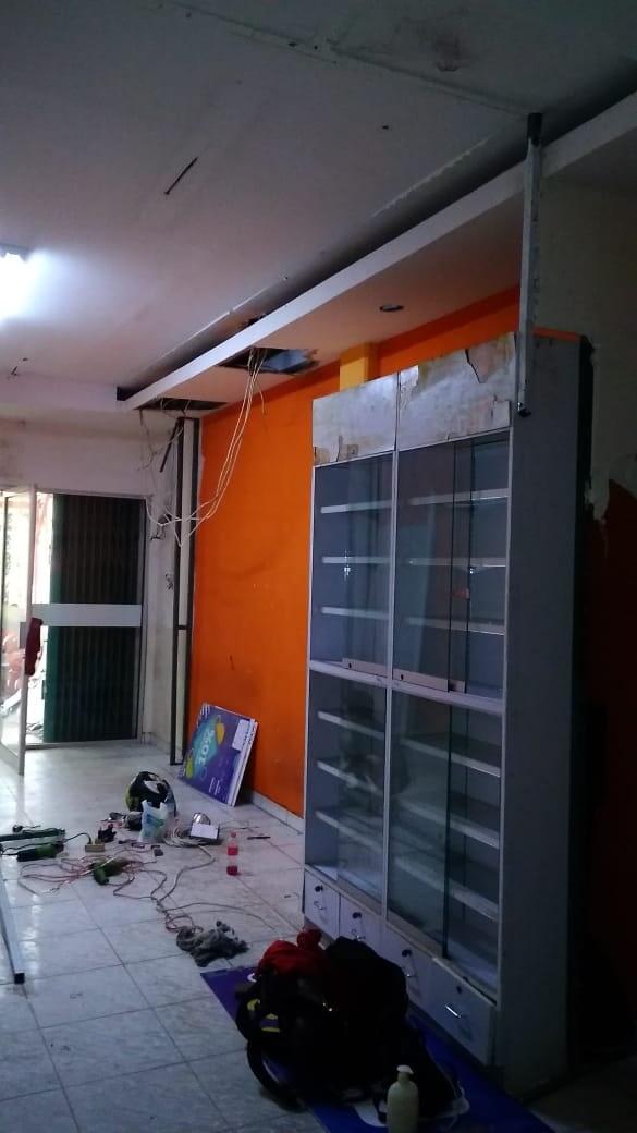 Renovasi Toko Century Healthcare Pharmacy Cengkareng 4