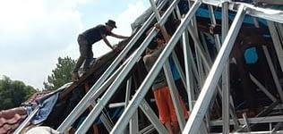Jasa kontraktor bangunan untuk perbaikan atap